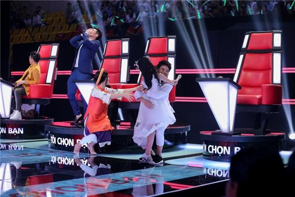 Bộ tứ quyền lực The Voice Kids choáng trước giọng ca opera nhí - Tin sao Viet - Tin tuc sao Viet - Scandal sao Viet - Tin tuc cua Sao - Tin cua Sao