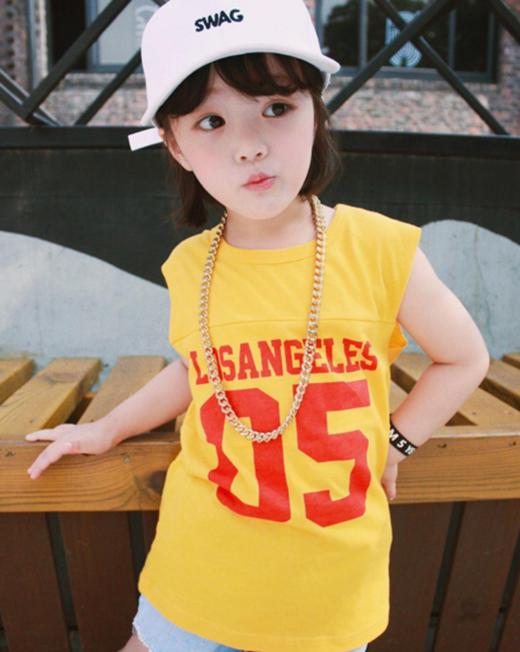 """Nhiều người cho rằng với khả năng """"diễn xuất"""" trước ống kính và huôn mặt xinh xắn, cô bé sẽ nhanh chóng có chân ở làng giải trí xứ kimchi."""