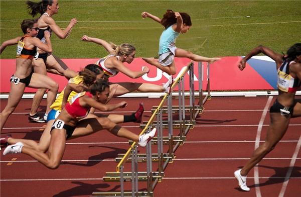 Vô cùng xuất sắc trong bộ môn chạy vượt rào.