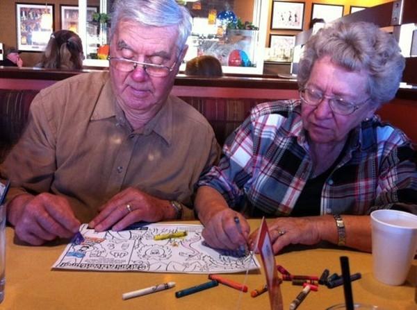  Cùng nhau ôn lại tuổi thơ một chút khi về già cũng là một ý tưởng hay nhỉ?