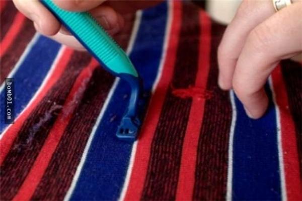 5. Có thể bạn chưa biết nhưng dao cạo râu sẽ giúp bạn loại bỏ hết những sợi lông tơ trên quần áo của bạn.