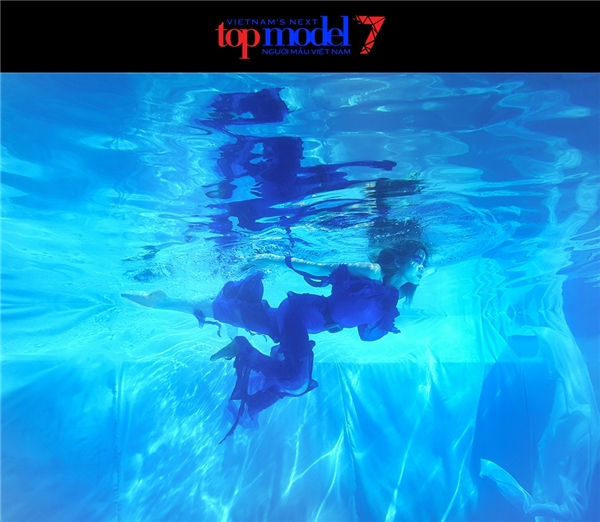 Một số hình ảnh chính thức của thí sinh trong thử thách chụp ảnh dưới nước.