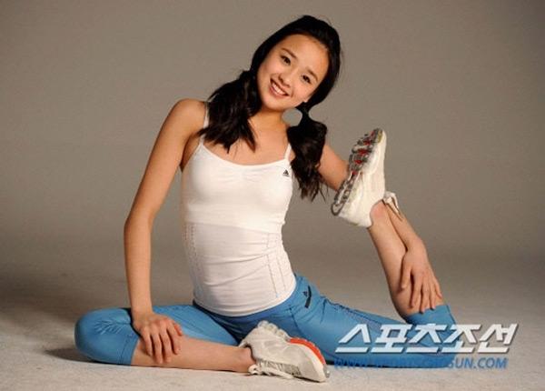 Cô gái 22 tuổi từ lâu đãđược mệnh danh là mĩnữ của làng thể thao xứ Hàn với vẻ đẹp trong sáng, ngọt ngào.