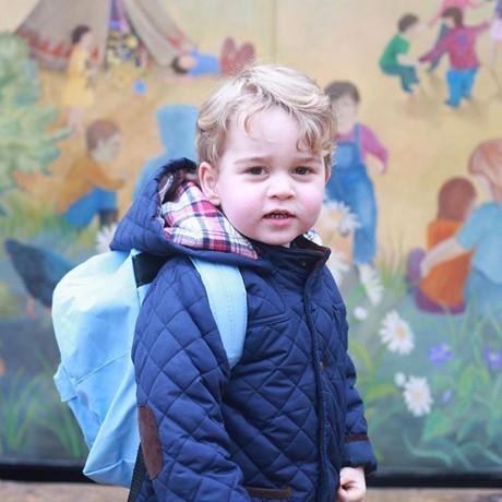 Khám phá ngày đầu tiên đi học của những đứa trẻ Hoàng gia