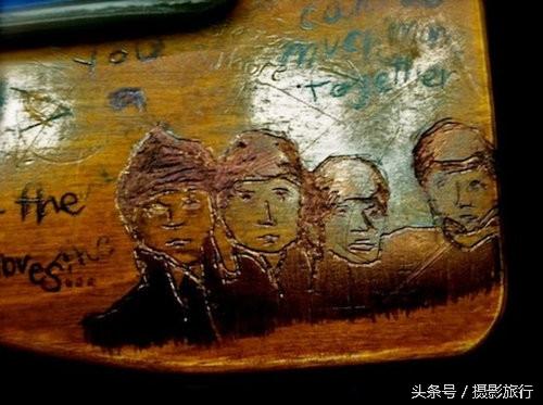 Không chỉ vẽ, các bạn học trò còn khắc cả The Beatles.