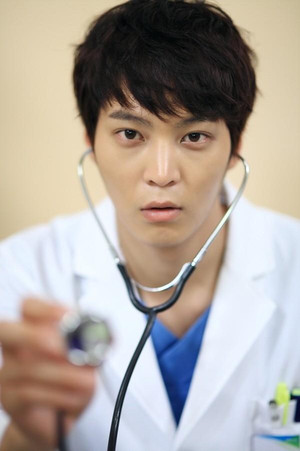 Phim xoay quanh bác sĩ Park Shi On, người bị mắc hội cứng tự kỉ cấp độ 3 và hội chứng bác học (Savant).(Ảnh: Internet)