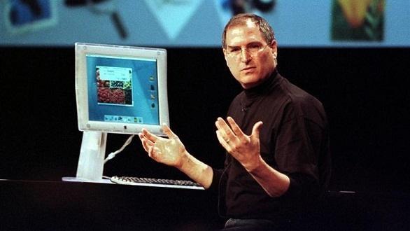 Steve Jobs lần đầu tiên giới thiệu mẫu máy Macintosh. (Ảnh: internet)