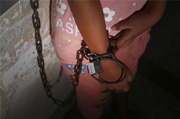 Trong vòng 2 năm qua Nana đã bỏ đi hơn 7 lần và đều bị cảnh sát bắt lại.