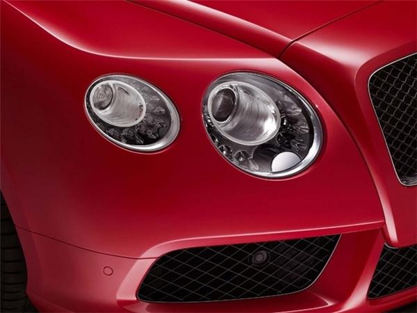 Điều gì đặc biệt ở chiếc siêu xe chở các thí sinh trong The Face?