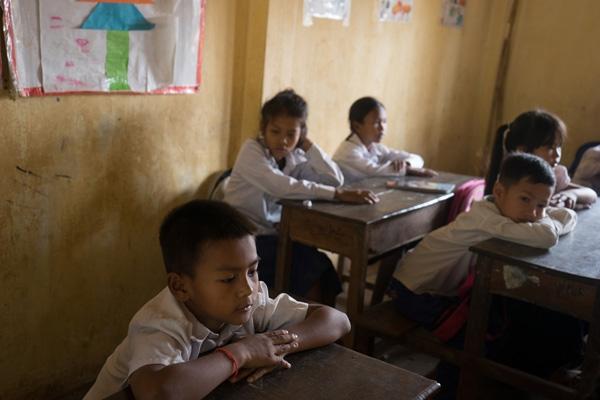 Học chữ cũng là một quy định bắt buộc đối với các võ sĩ trẻ muốn theo con đường Kun Khmer chuyên nghiệp.