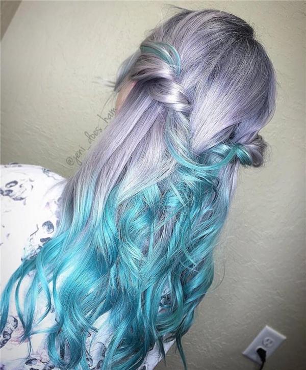 9. Sự kết hợp của ombre và tóc tiên cá đã biến một cô gái bình thường trở nên nổi bật hơn bao giờ hết.