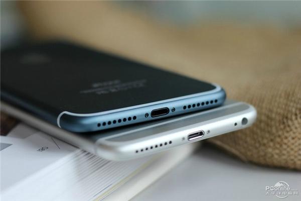 So sánh với iPhone 6s. (Ảnh: internet)