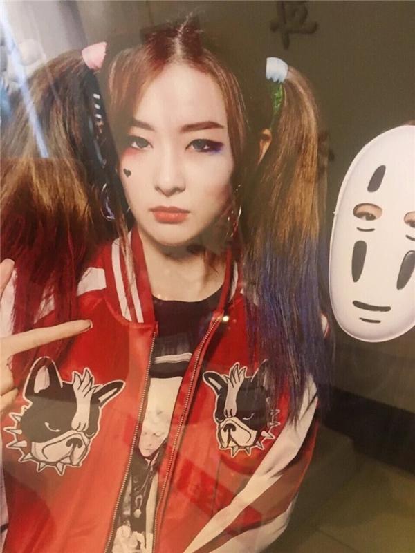 Cô nàng Seulgi của Red Velvet hẳn là một fan trung thành của bộ phim.