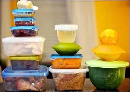 Hộp nhựa có thể là nơi tích tụ vi khuẩn. (Ảnh: internet)