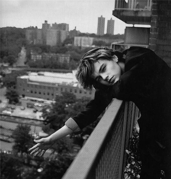 Leonardo DiCaprio từ hoàng tử vạn người mê thành quí ông phát tướng