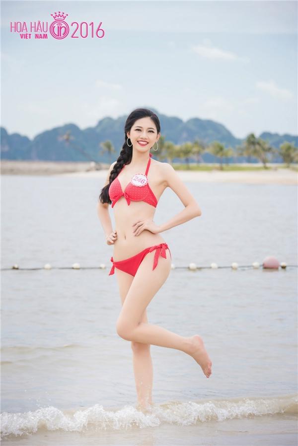 Người đẹp HHVN 2016 khoe hình thể nóng bỏng trước thềm chung kết