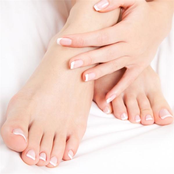 Gập các ngón chân giúp thư giãn. (Ảnh: internet)