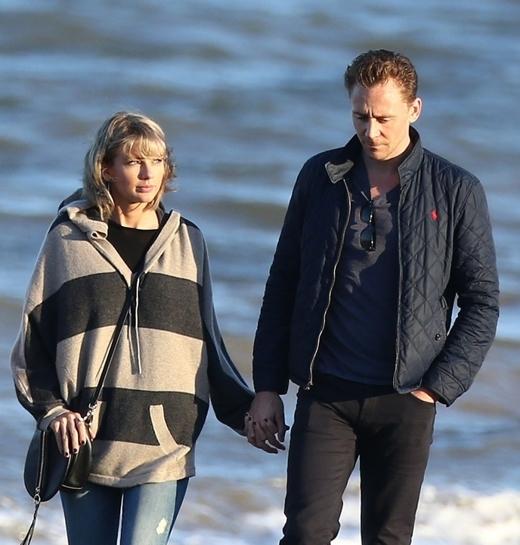"""Sau khi công khai, Taylor và Tom """"quấn nhau như sam""""."""