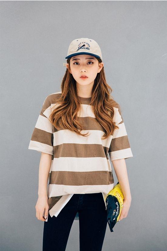 Sự kết hợp 2 màu khác biệt sẽ làm cho chiếc mũ của bạn nổi bật hơn đấy.