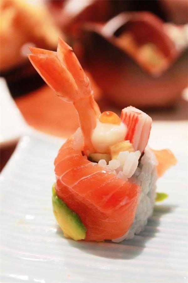 Món sushi của người Nhật chinh phục cả thế giới bằng vị tươi ngon và đơn giản.