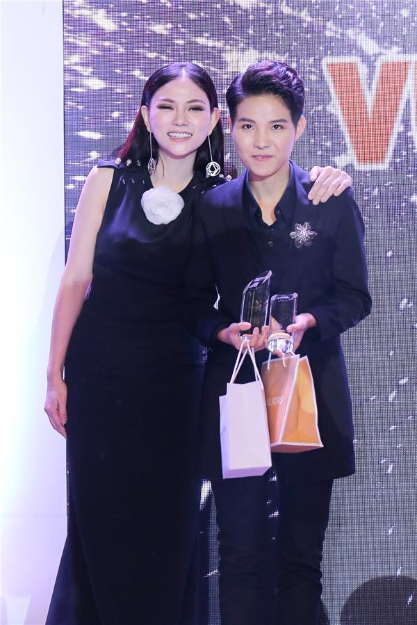 Vũ Cát Tường nhận giải thưởng Nữ nhạc sĩ được Hội đồng nghệ thuật và khán giả bình chọn. - Tin sao Viet - Tin tuc sao Viet - Scandal sao Viet - Tin tuc cua Sao - Tin cua Sao