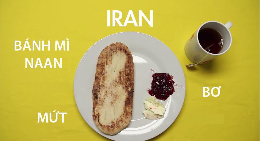 9. Iran - Bánh mì naan, một loại bánhmì nướng phổ biến ở vùng Tây và Nam Á ăn kèm với mứt trái cây và phô mailà bữa sáng quen thuộc của người dân Iran. Bữa ăn sẽ được hoàn thiện hơn với một cốc trà đen ngọt đặc trưng.