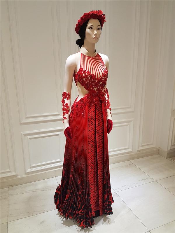 Trầm trồ trước váy áo của Hạ Vi, Lan Ngọc trong ngày ra mắt Tấm Cám