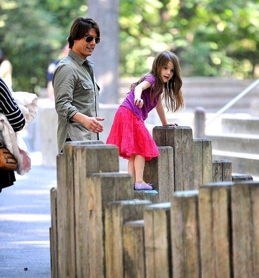 Hai cha con chơi đùa với nhautại công viên trung tâmNew Yorknăm 2010.