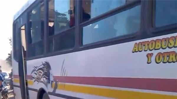 Và chiếc xe buýt kì lạ nhất từ trước tới giờ.