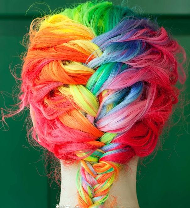 3. Nghệ thuật nhuộm tóc nhiều màu quá đỉnh.