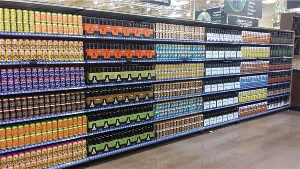 6. Khách hàng vào siêu thị này mua đồ chắc lại ra về tay trắng mất thôi, đẹp như thế này thì ai nỡ lòng phá đi.