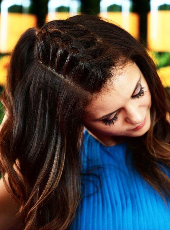 Hay lấy ra nhiều tóc phần đỉnh và thắt theo kiểu đuôi tôm.