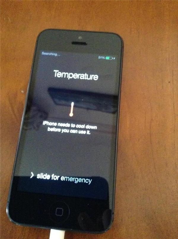 iPhone đưa ra thông báokhi nhiệt độ quá cao. (Ảnh: internet)