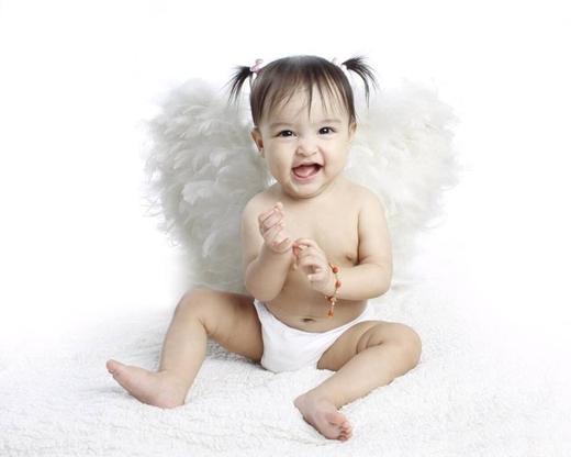 Chưa đầy 1 tuổi, nhưng bé Maria Letizia đã tham gia rất nhiều quảng cáo.