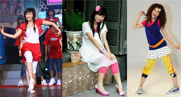 Quần bó màu mè kết hợp với váy xòe ngắn hoặc mini zuýp là trang phục không thể thiếu trong tủ đồ của các cô nàng sành điệu cuối 8x đầu 9x.