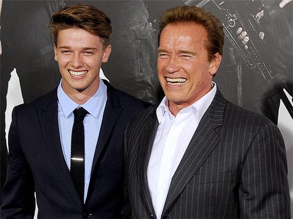 Patrick và bố, diễn viên kiêm cựu thống đốc bang California.