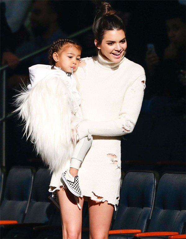 Không cần quá tài năng, các sao trẻ này cũng được cả thế giới biết đến nhờ cha mẹ nổi tiếng