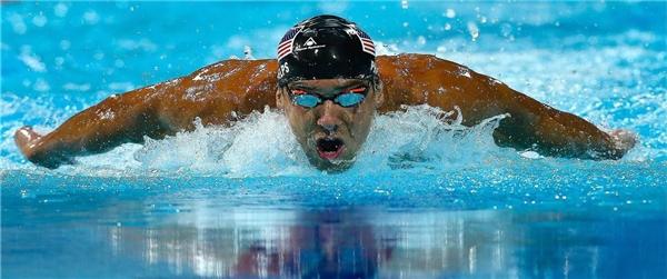 Huyền thoại Michael Phelps trên đường đua xanh.(Ảnh: Internet)