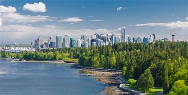 3. Vancouver, Canada: Từng giữ vị trí số 1 đến năm 2011, năm 2016, Vancouver vẫn đứng số 3 trong top 10 thành phố đáng sống nhất thế giới. Ảnh: Vancitybuzz.