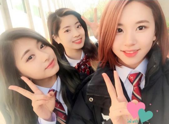 Cả 3 không quên selfie cùng nhau.