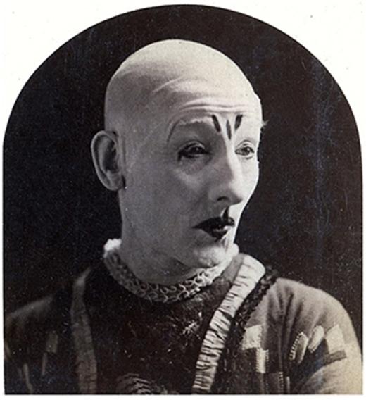 Chú hề GL Fox nổi tiếng thế giới trong vở kịch kinh điển Humpty Dumpty, chụp năm 1875