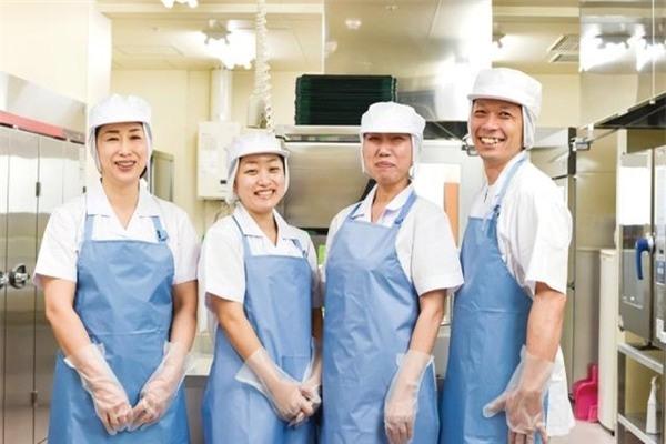 Mức lương cho công việc này khá hấp dẫnnhưng yêu cầu người lao động phải có sức khỏe dẻo dai và chịu được áp lực nặng.