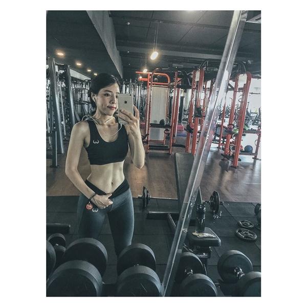 Cô nàng sinh năm 1993 trở thành nguồn cảm hứng và động lực để các bạn gái quyết tâm giảm béo.