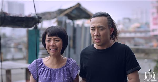 """""""Với Trang, có lẽ đây là vai diễn quá đặc biệt, quá nhiều cảm xúc nên rất hi vọng khán giả sẽ đón nhận một người mẹ khở tên Mưa với tình yêu thương vô bờ bến dành cho bé Nắng khi phim khởi chiếu sắp tới"""" - Thu Trang thổ lộ."""