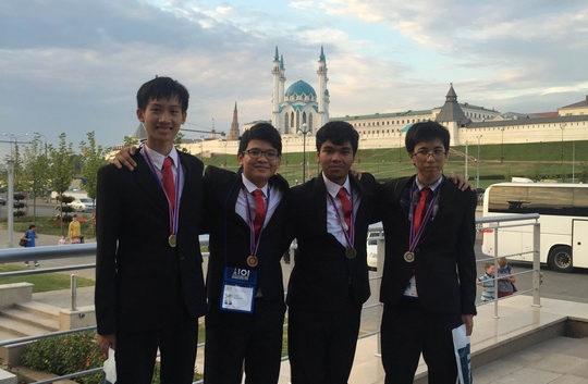 Cả 4 thí sinh Việt Nam tham dự Olympic Tin học quốc tế đều xuất sắc đoạt được huy chương.
