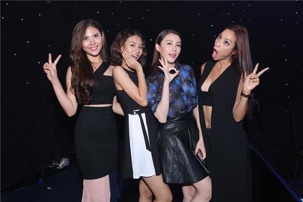 Biểu cảm khó đỡ của Top 4 team Hà Hồ khi đến cổ vũ sư phụ - Tin sao Viet - Tin tuc sao Viet - Scandal sao Viet - Tin tuc cua Sao - Tin cua Sao