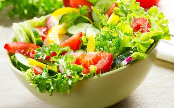 Bạn không thể biết nguồn gốc các loại rau củ trong saladtrộn củacác cửa hàng thức ăn nhanh có đảm bảo vệ sinh không?