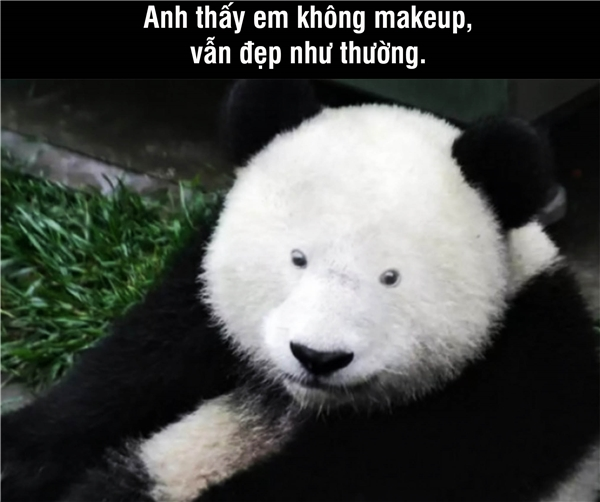 """Khi một người con gái đã quen với makeup thì cô ấy sẽ rất thiếu tự tin khi mình không son phấn. Vậy nên, các anh nên biết ý, hãy khen mặt mộc của cô ấy chứ đừng vô tình buông câu """"Nay trông em nhợt nhạt thế?"""""""
