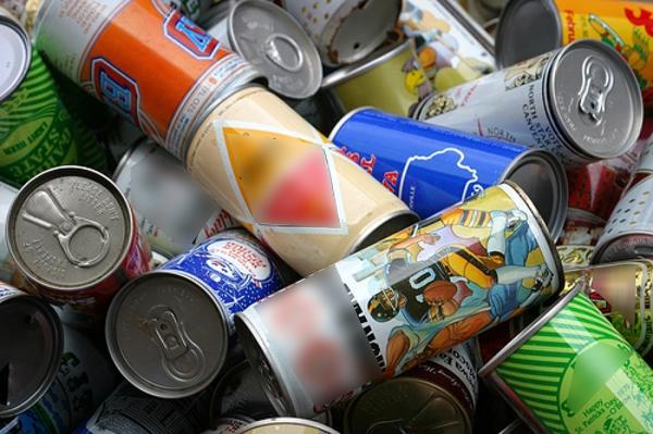 Chấtbisphenol A được tráng ở vỏ lon đồ uống là nguyên nhân làm gián đoạn hormone, ảnh hưởng nghiêm trọng tới vấn đề sinh sản.