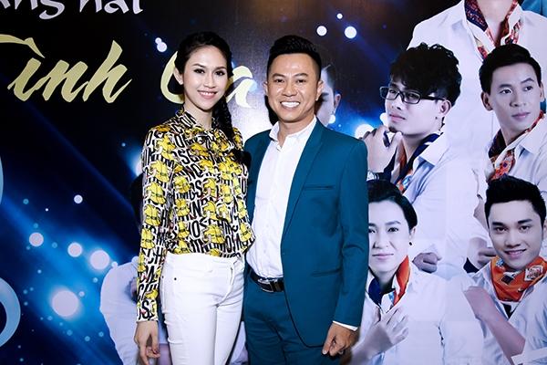 Nam ca sĩ Quốc Đại và Hoa hậu Đông Nam Á - Thu Vũcũng dành thời gian đến chúc mừng Lê Việt.
